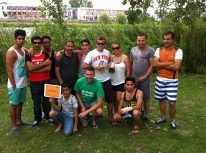 """Das Team """"Asantis"""" uns JU´lern und jungen Asylbewerbern"""